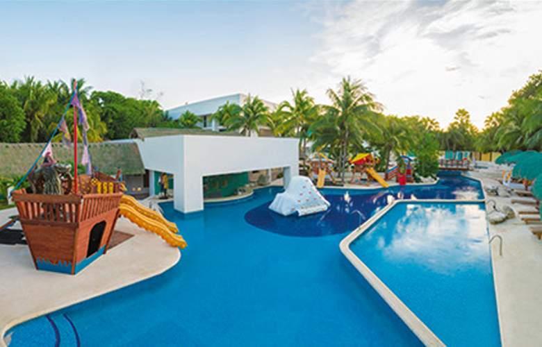 Sunscape Akumal Beach Resort & SPA - Pool - 19