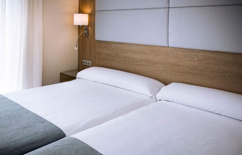 Mediterraneo Bay Hotel & Resort - Room - 12