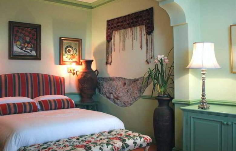 Colona Castle - Room - 10