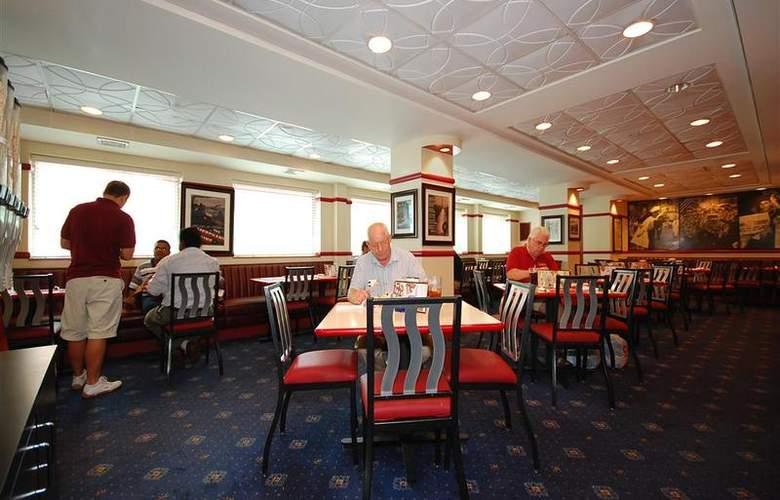 Best Western Rosslyn/Iwo Jima - Restaurant - 57