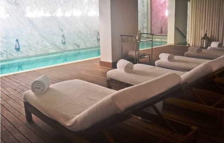 Yoo by Punta Location Apartament - Pool - 2