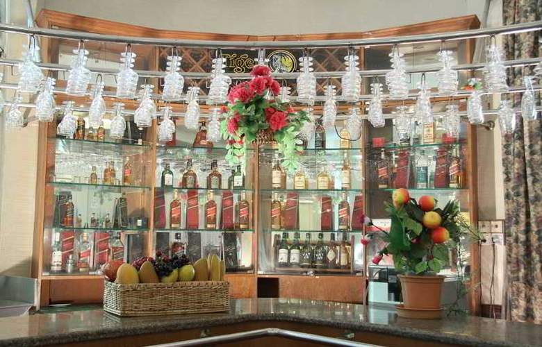 Excel Treasure Hotel - Bar - 29