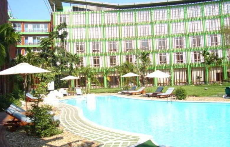 Green Hotel Hue - Pool - 10