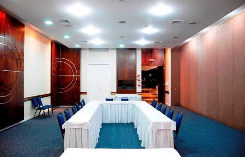 Ambassador Residence Hotel - Conference - 11