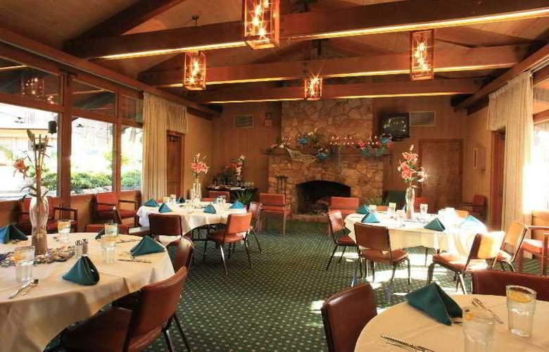Carmel Valley Lodge - Restaurant - 4