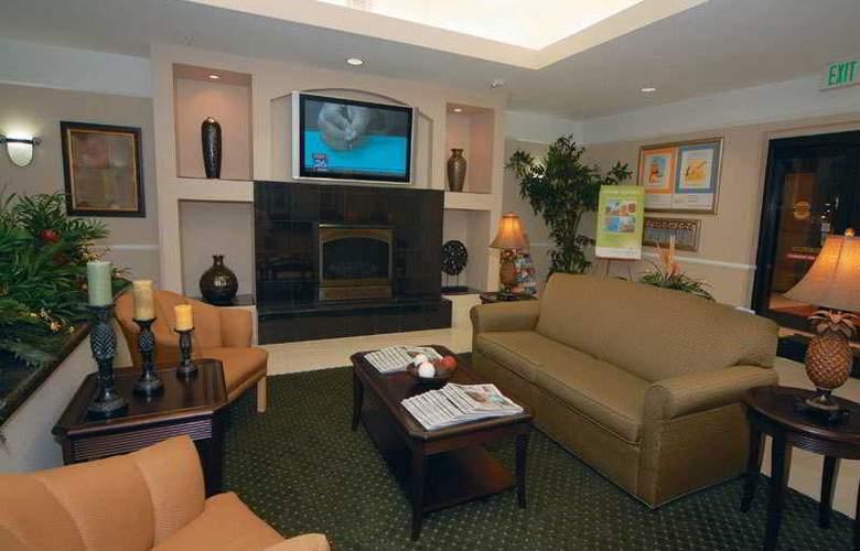 La Quinta Inn & Suites Houston Hobby Airport - General - 3