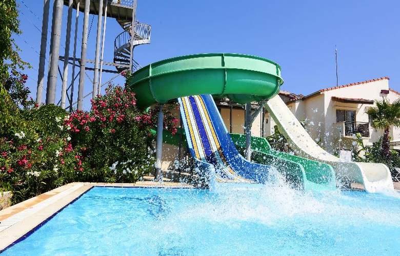 Lyra Resort - Pool - 35
