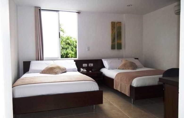 Plaza Granada - Room - 3