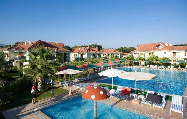 Club Tuana - Pool - 2