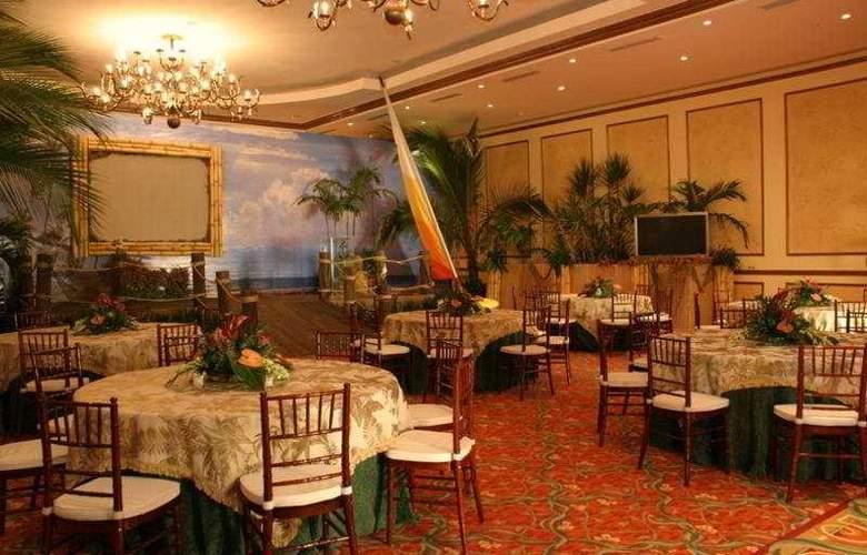 Dreams Playa Bonita - Restaurant - 10