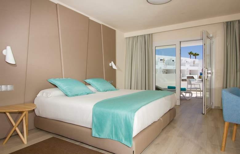 Aqua Suites - Room - 2