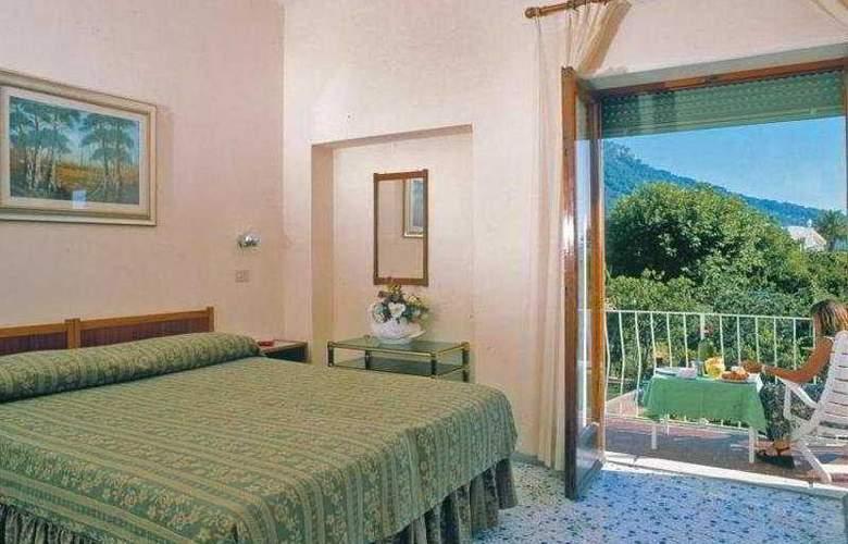 Hotel Carmencita - Room - 2