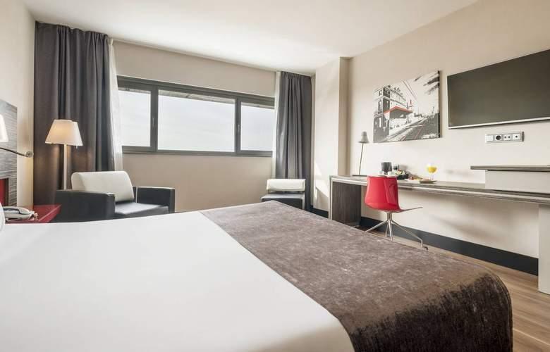Ilunion Barcelona - Room - 2