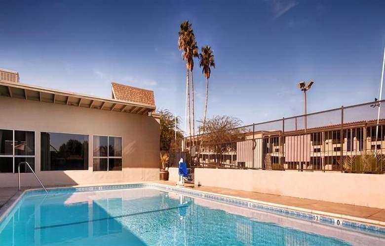 Best Western Desert Villa Inn - Pool - 30