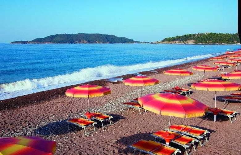 Queen of Montenegro - Beach - 6
