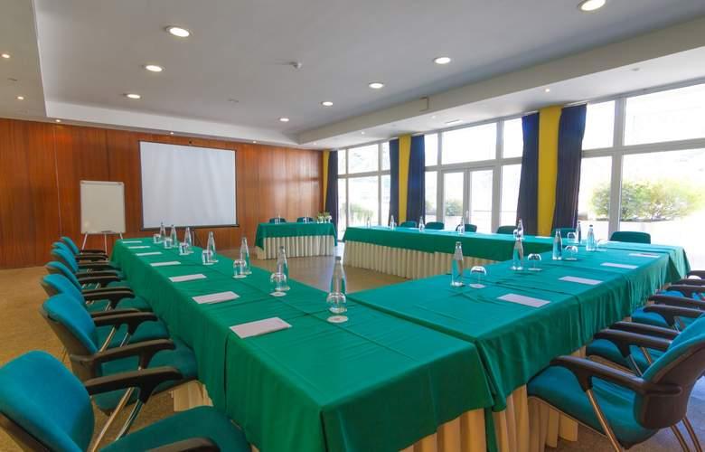 Golden Tulip Braga - Conference - 16