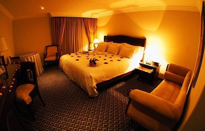 Hotel Embassy Park - Room - 16