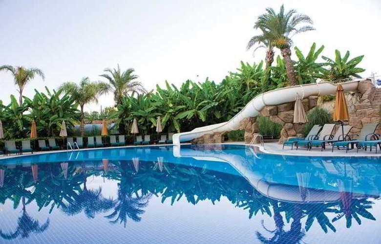 Long Beach Resort - Pool - 12