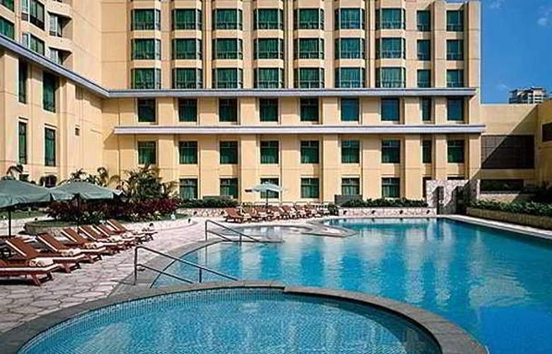 Hyatt Hotel and Casino Manila - Pool - 0