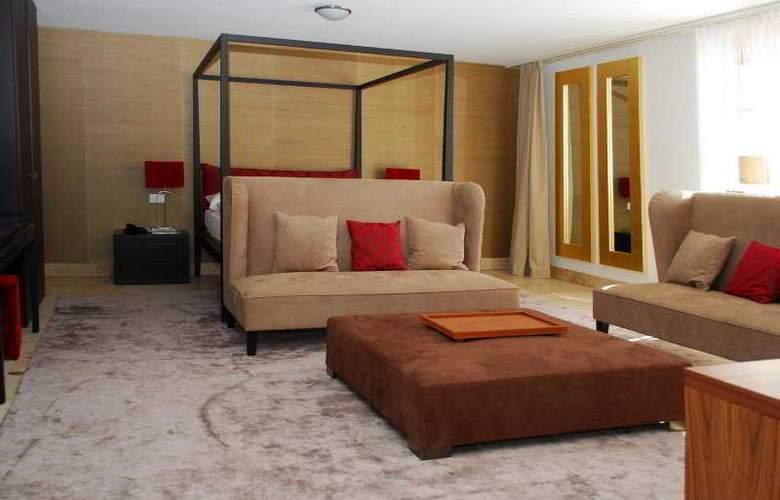Romantik Schweizerhof - Room - 3