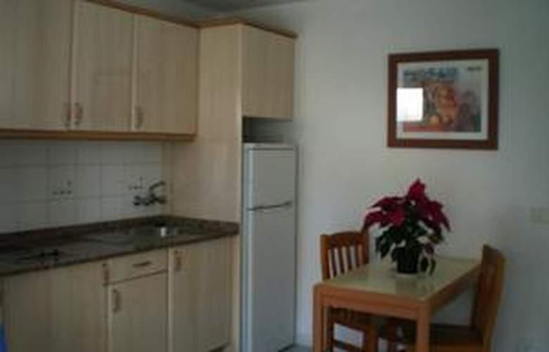 Apartamentos las Gacelas - Room - 17