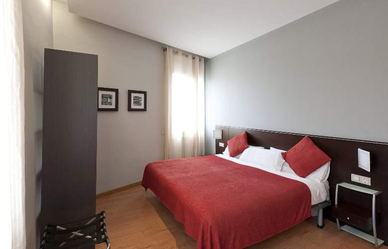 Amister Apartamentos - Room - 7