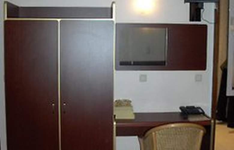 Queen Mary - Room - 2