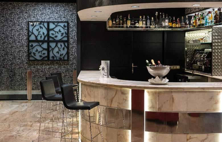 Salles Malaga Centro - Bar - 4