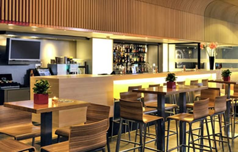 Ibis Amsterdam Centre - Bar - 9