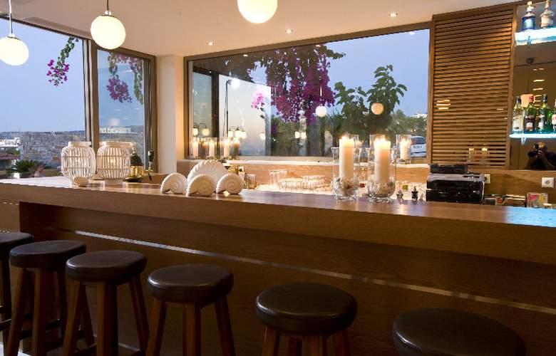 Maritimo Beach Hotel - Bar - 3