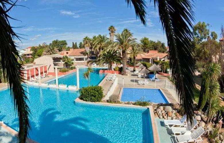 Cela Caet Residence Jamaica - Pool - 4