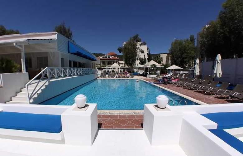 Munamar Beach Resort - Pool - 18
