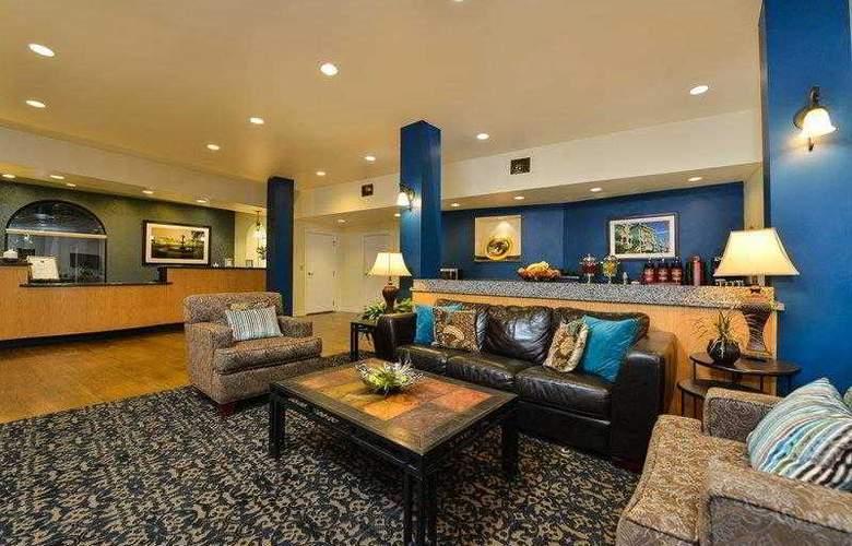 Best Western Plus St. Charles Inn - Hotel - 17