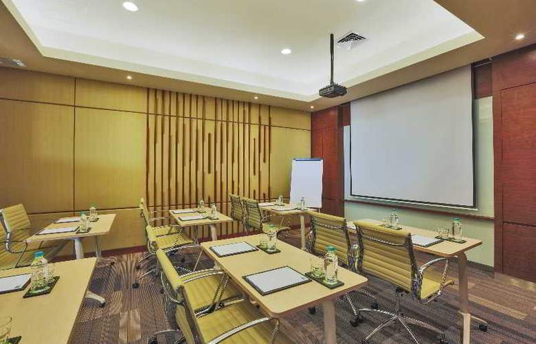 Holiday Inn Express Semarang Simpang Lima - Conference - 22