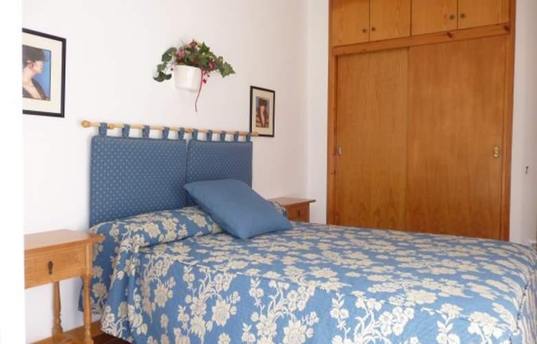 Apartamentos Llebeig - Room - 7