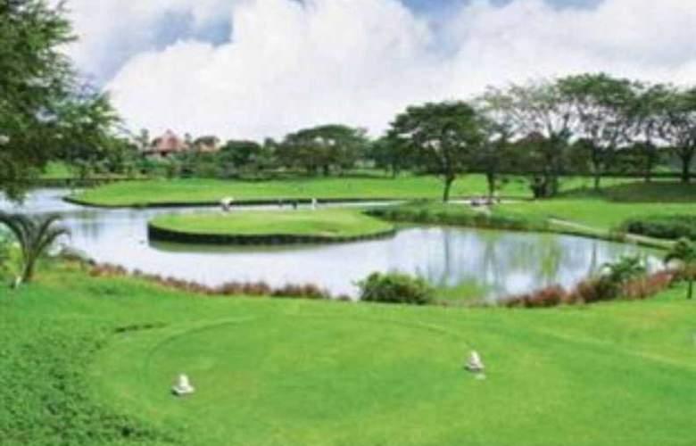 Ciputra Golf Club & Hotel Surabaya - Sport - 10