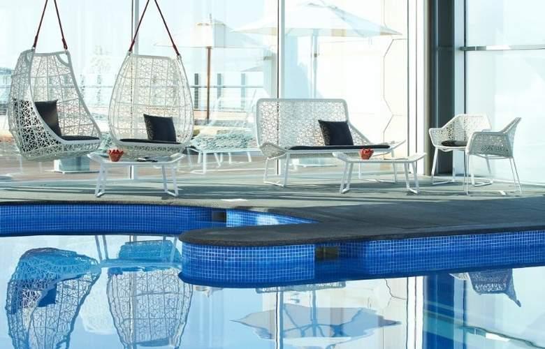 Le Meridien Ra Beach Hotel & Spa - Pool - 4