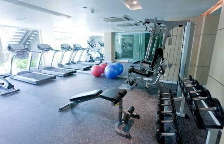 Ramada Hotel & Suites - Sport - 14