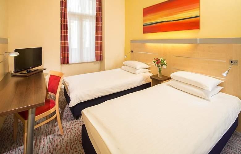 Exe City Park Prague - Room - 11