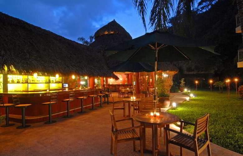 Casa Iguana Hotel - Bar - 5