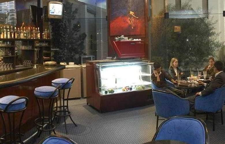 Plaza - Bar - 4