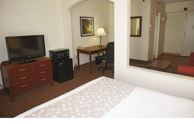La Quinta Inn & Suites New Haven - Room - 11