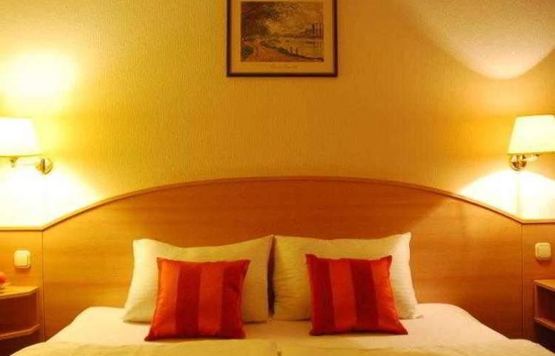 Orion Varkert - Hotel - 13