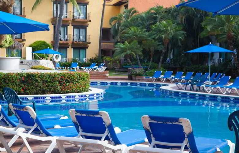 Hacienda Hotel & Spa - Pool - 26