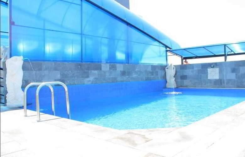 Arya Hotel & Spa - Pool - 7