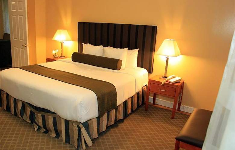 Best Western Plus Hospitality House - Apartments - Room - 83