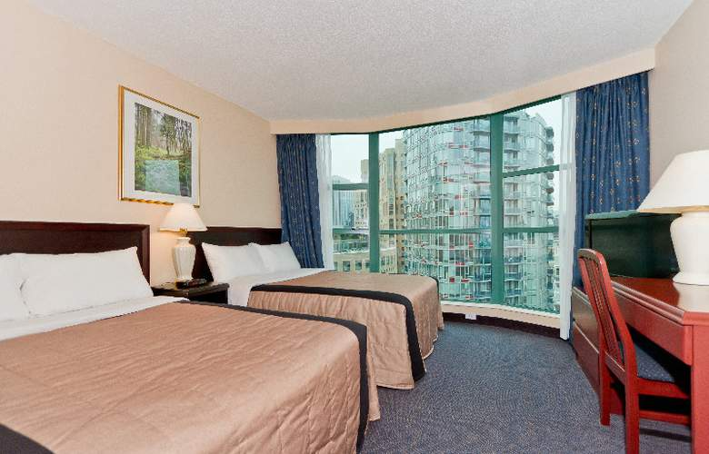 Rosedale on Robson Suites Hotel - Room - 1