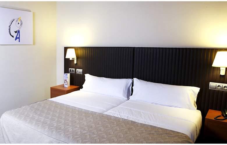 Balneario de Rocallaura - Room - 0