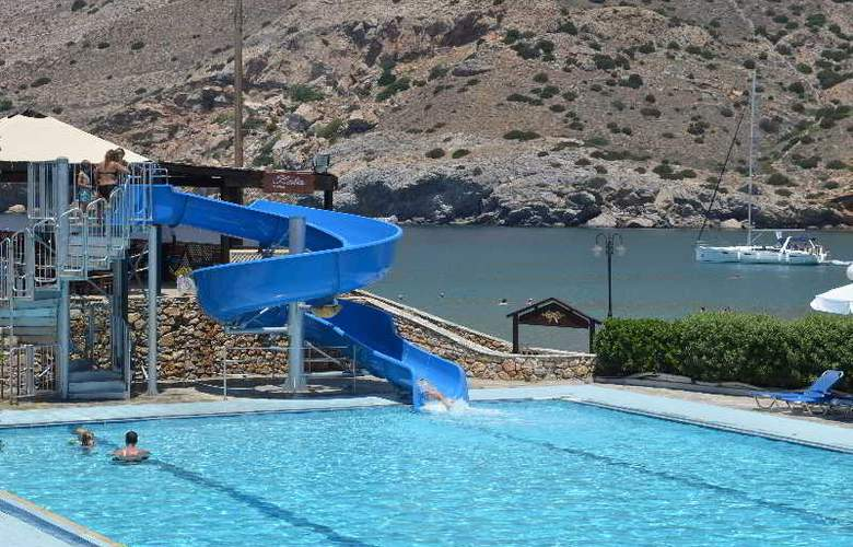 Dolphin Bay - Pool - 20