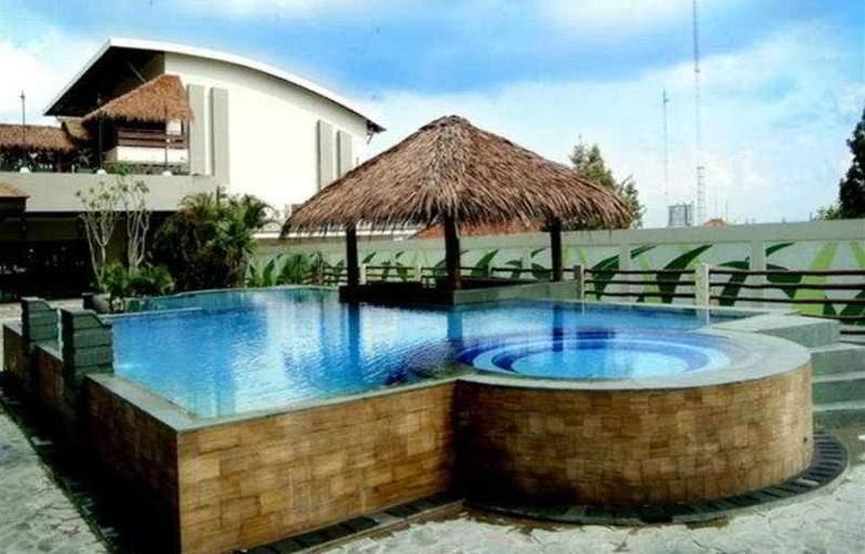 Bannana Inn Hotel & Spa - Pool - 6